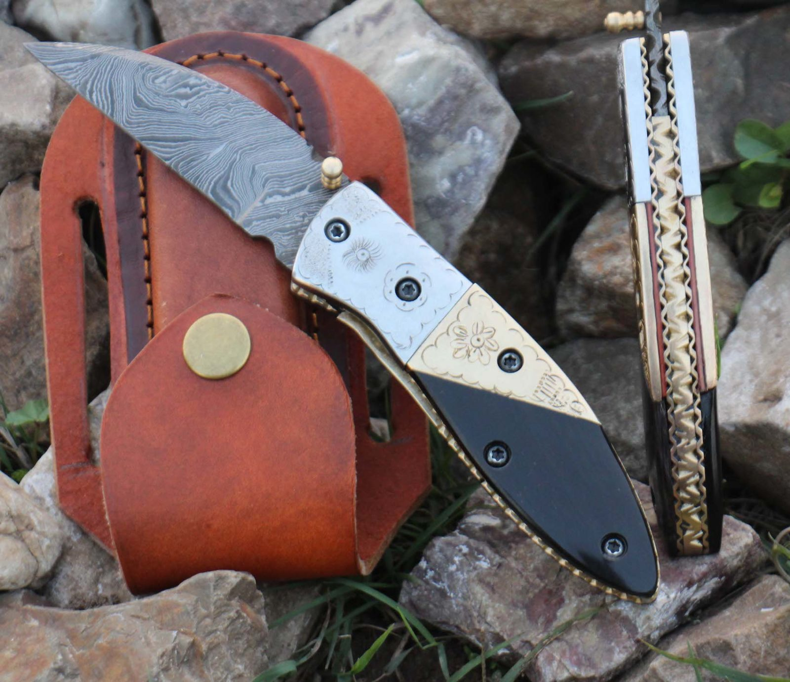 Damascus Folding Knife Steel Brass, Buffalo Horn handle Pocket knife
