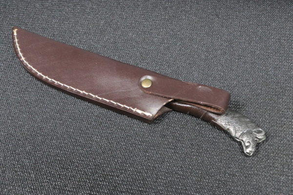 Damascus hand forged Steel blade, full tang, leather strapDamascus hand forged Steel blade, full tang, leather strap