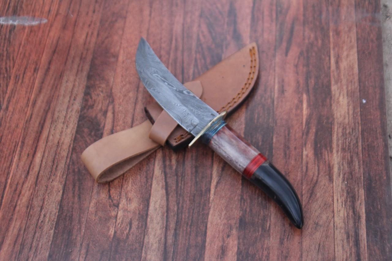 Custom Forged Damascus knife
