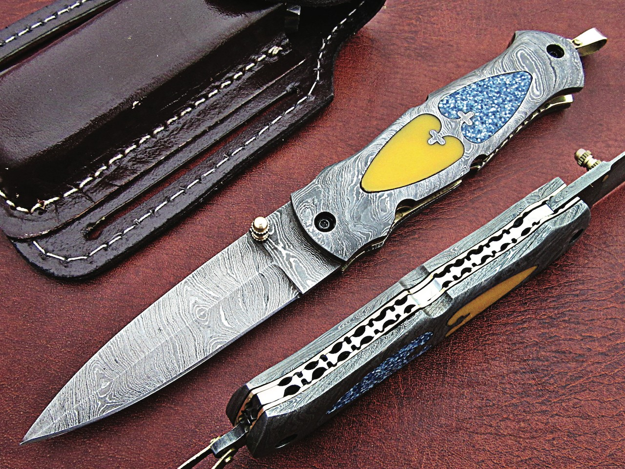 Forged Damascus Folding Knife Color Bone yellow blue