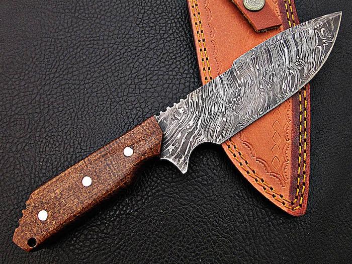 Handmade Damascus Knife with Macarta