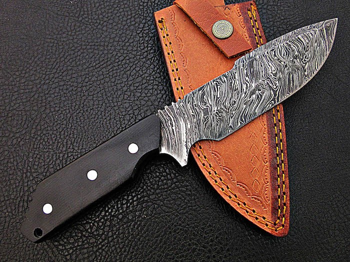 Damascus Knife Black Macarta