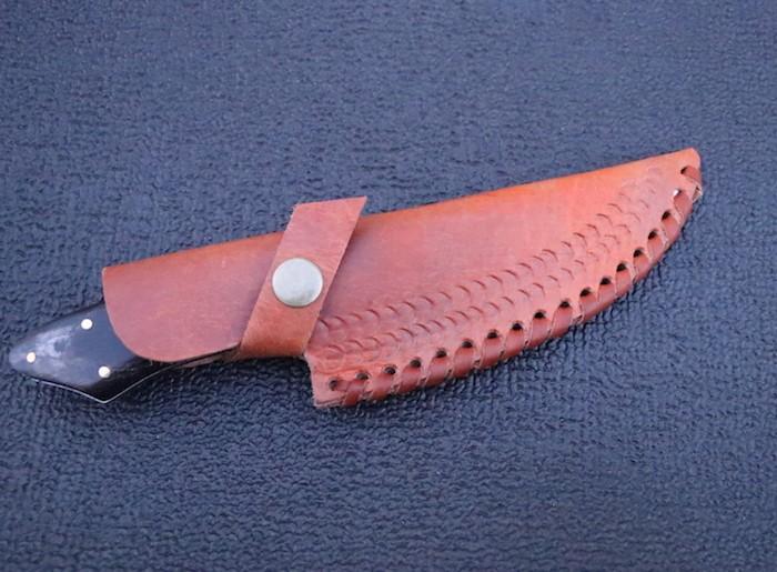 9″ D2 steel full tang skinner buffalo horn