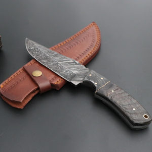 Sheep horn Damascus Steel skinner