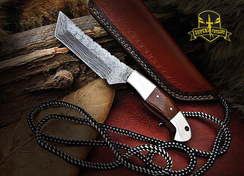 9″ fixed blade Damascus knife