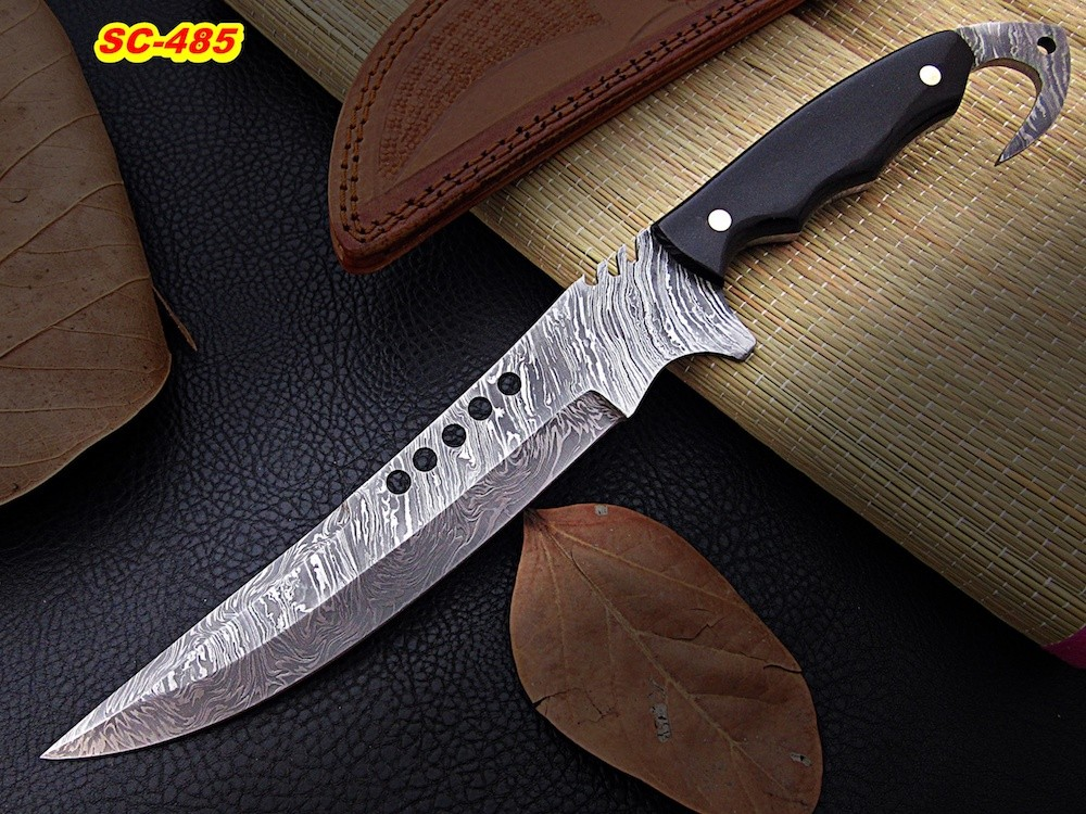 13″ custom Damascus steel hunting knife