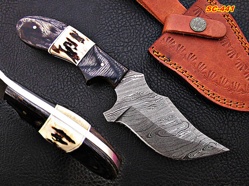 9″ inches Damascus steel skinner knives