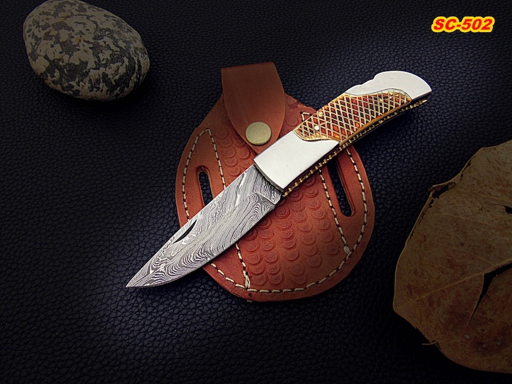 Damascus knife with Flamed bone handle Pattern
