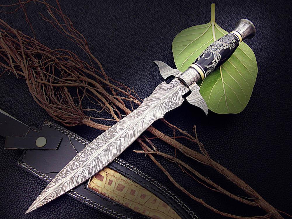 Damascus Steel Art Dagger Knife Bull Horn Handle Scrimshaw
