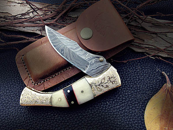 Custom Pocket knife Dual engraved Bolsters