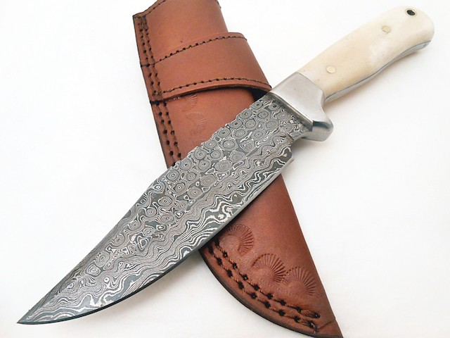 Hand forged Damascus steel Skinning knife