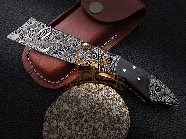 Damascus steel Folding Knife BUUL horn