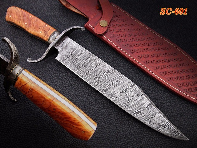 Damascus steel Bowie knives