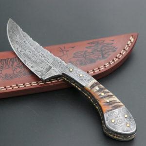 Ram horn handle Damascus skinning knives